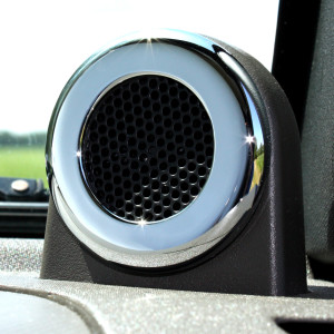 Dash Speaker highlights - one piece closeup 2